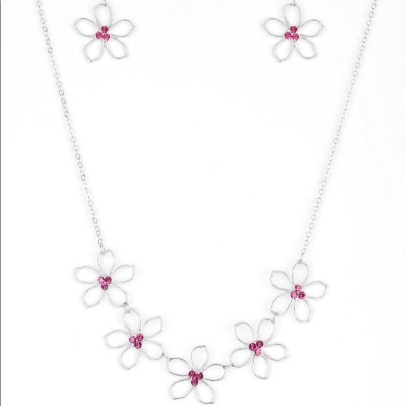 Necklace and bracelet set silver flowers
